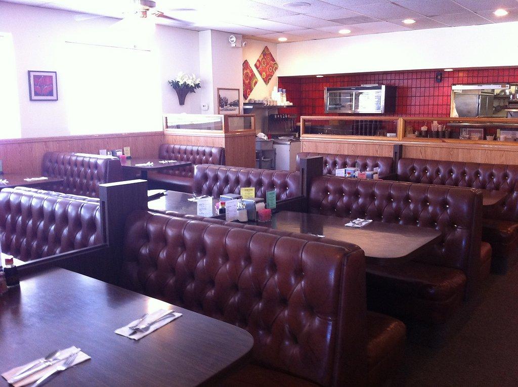 inside-restaurant-20111020-1461912430.jpg
